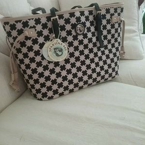 Beautiful woman tote NWT